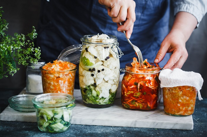 eating fermented food loaded with probiotic improve your gut microbiome